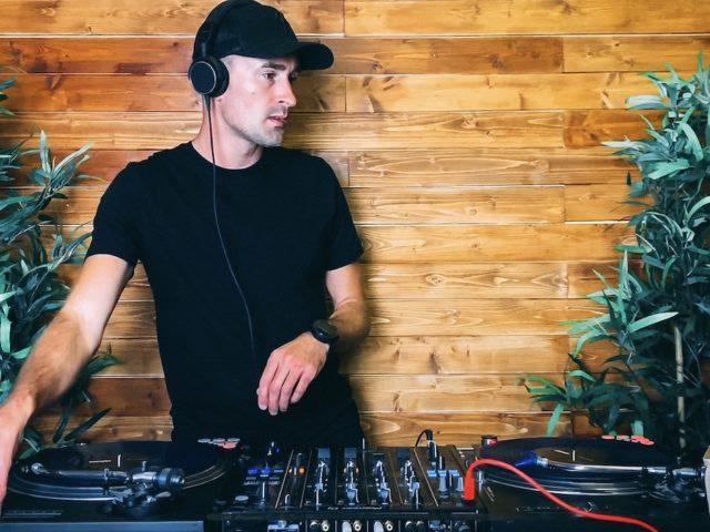 House Classics Vinyl Mix